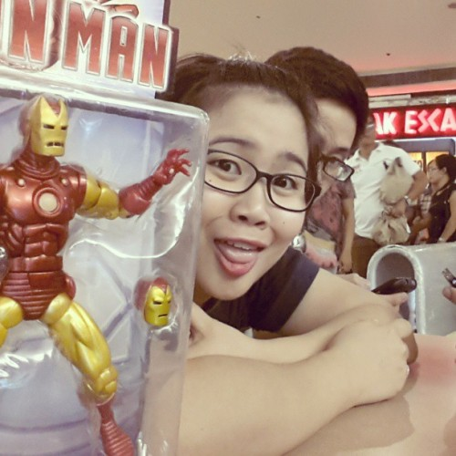 Another toy again??? Nyaaaaahhh! @bryansurvive  #ironman  #family #funfunfun