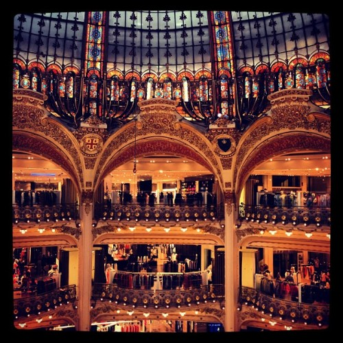 The French know how to design department stores. Just as beautiful as the clothes inside. #iwanteverything #cantaffordanything #exceptmacarons #galerielafayette  (at Galeries Lafayette)