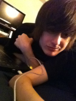 An old picture of me. My lady took it :P <3