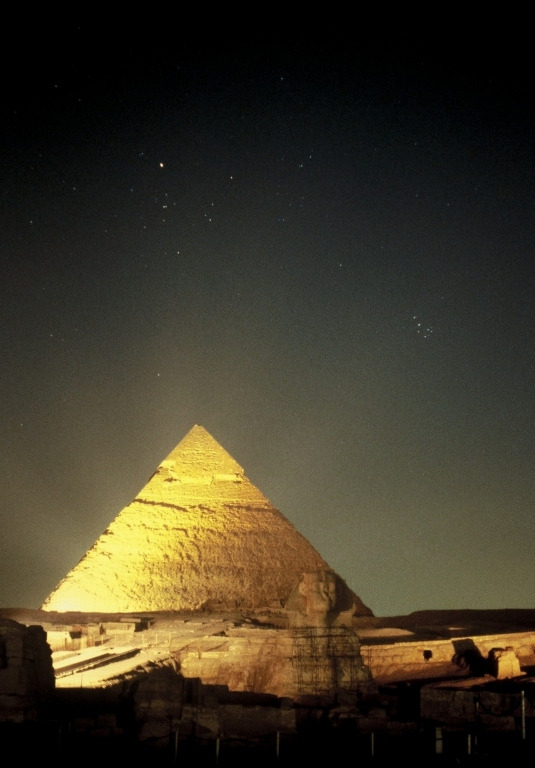vurtual:  Taurus and Pleiades over Giza Pyramid - Cairo, Egypt (by Fabrizio Melandri)