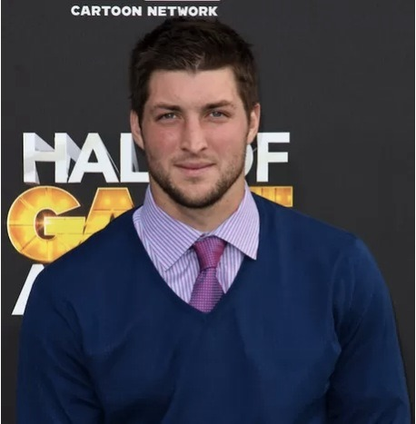 Is Tim Tebow going to Arena Football? Well, the Orlando Predators have made a standing offer to Tebow as starting quarterback. This might not necessarily be a bad move considering no NFL team is giving Tim a shot. Also, even Super Bowl champion Kurt Warner spent time in Arena before winning the big game.