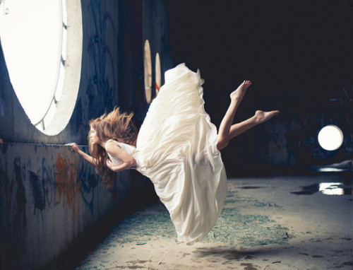 laughingsquid:  Zero Gravity, Surreal Photos of Women Floating in Mid-Air