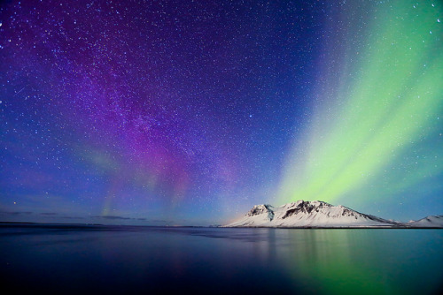 heythereuniverse:  Mountain, Northern Lights and Milky Way | jonrrr