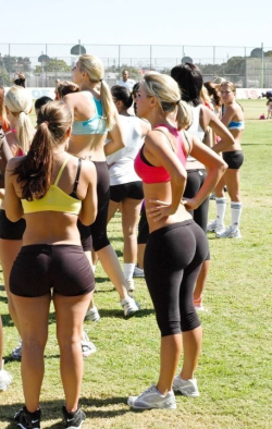 girls-in-yoga-pants-giyp:  Follow Us: http://goo.gl/tQ6Ai