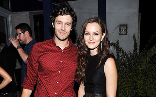 Breaking news: Seth Cohen and Blair Waldorf are dating! We repeat: Seth Cohen and Blair Waldorf are dating!!!