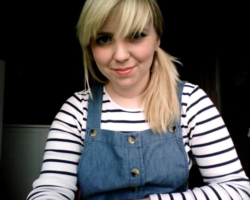 Today's dungaree dress outfit. I was I was more beatnik.