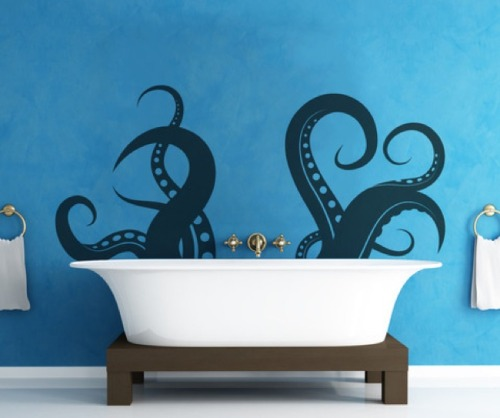 penguinsparade:  fckyeahhplovecraft:  Bathtime with Cthulhu  O________O  Okay, now I know what I want my redesigned bathroom to look like.     I need this…yesterday.