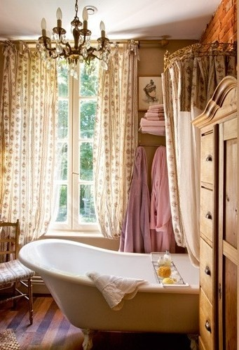 old-fashioned bathroom