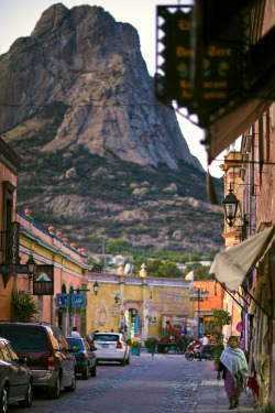 vurtual:  Bernal, a Magical Town - Mexico (by Luis Montemayor)