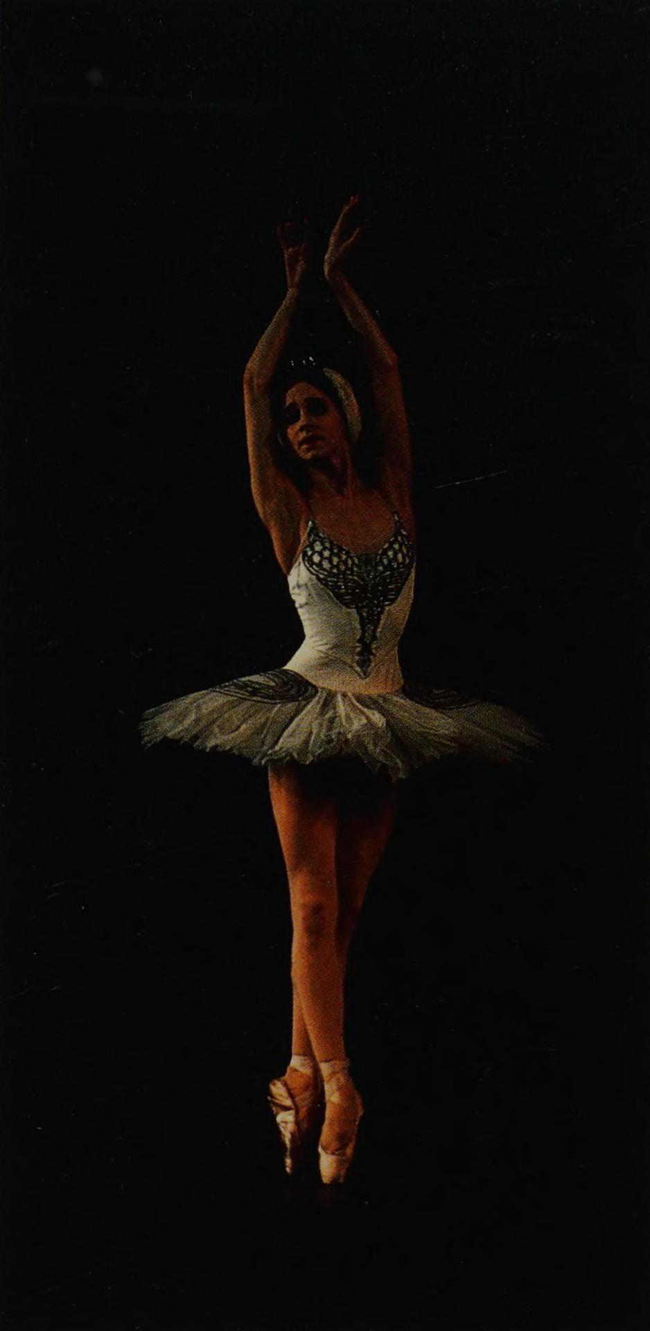 eva evdokimova photographed performing as odette in swan lake byzoe dominic #eva evdokimova#ballet#ballerina#zoe dominic#swan lake
