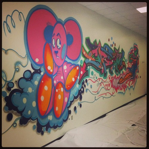 Finished #chidrenshospitalofmichiganmural in rehabilitation room. (This was so much fun with all the pastels) #shadesdet #detroitgraffiti  (at Children's Hospital of Michigan)