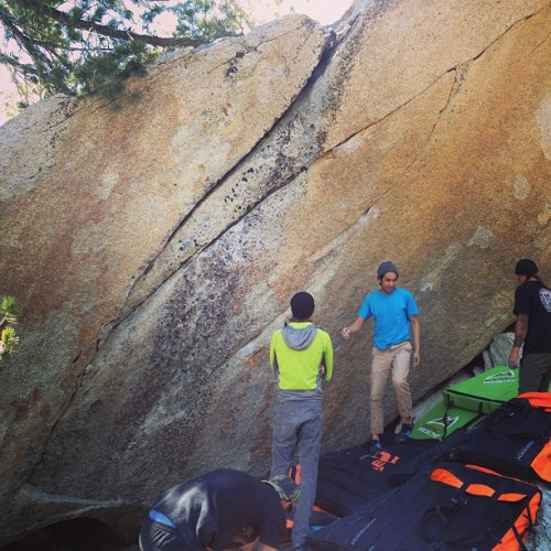 first time outdoor bouldering #madrock #bouldering #freeclimb #whataday #rock