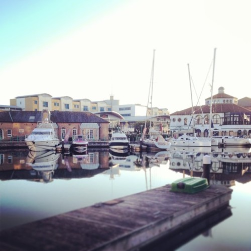 hatredanddisgust:  Chills down the marina 👌 #brighton #marina #boats