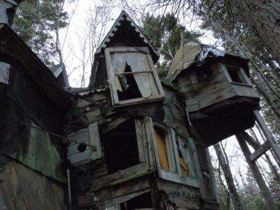 destroyed-and-abandoned:  Whimsical abandoned house in Nova Scotia, Canada Old photo taken by a friend.