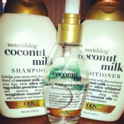 I am like a wave of coconut ♡ #shampoo #conditioner #coconutmilk #coconutoil #mist #organix #ogx #lovethis #mylife #nourishing #iloveit #babehatescoconut lol