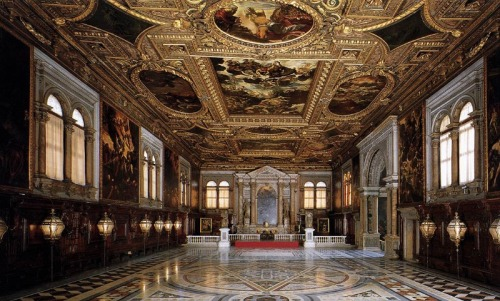 cvilletochucktown:  Chapter Hall of the Scuola Grande di San Rocco, lavishly and beautifully painted by Venetian master Tintoretto