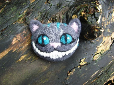 """Cheshire Cat"" Pin by HandmadeByNovember"