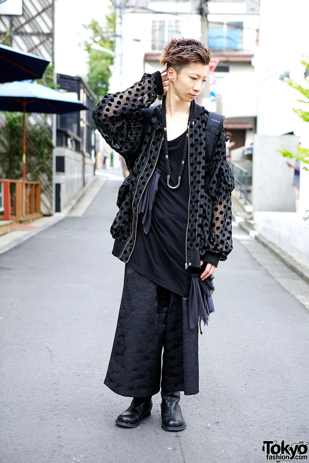Mizuho from Monomania Harajuku wearing an all-black outfit put together from Monomania pieces.