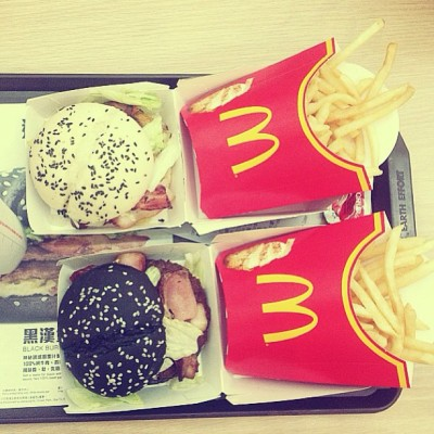 Black Beef Burger and White Chicken Sandwich 👍🍔🍟 (at Hong Kong International Airport | HKG | 香港國際機場)
