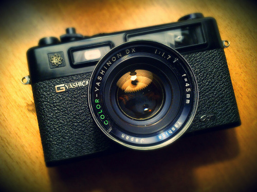 dnoorul:  Yashica Electro 35GT by deafburglar on Flickr.