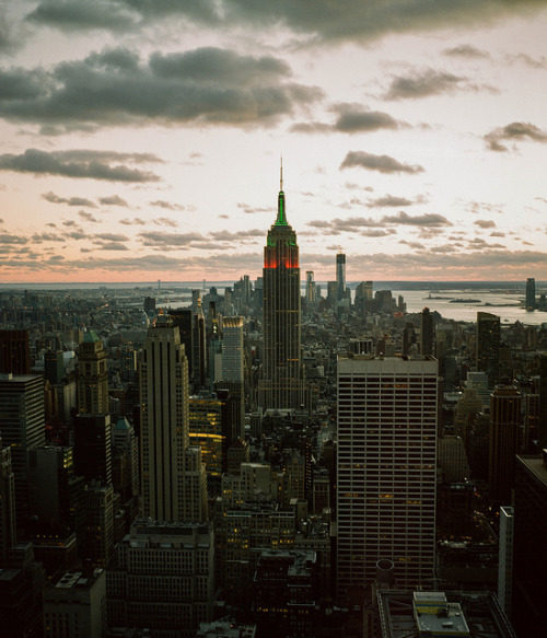 zbzb:  Empire on Flickr. Not bad, New York. Not bad, Mamiya.