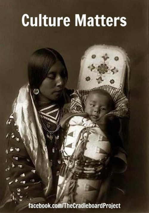 lastrealindians:  STUNNING CRADLEBOARD CHILD & MOM :)