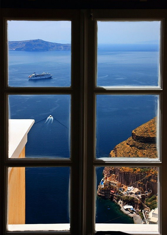 bluepueblo:  Ocean View, Santorini, Greece photo via besttravelphotos