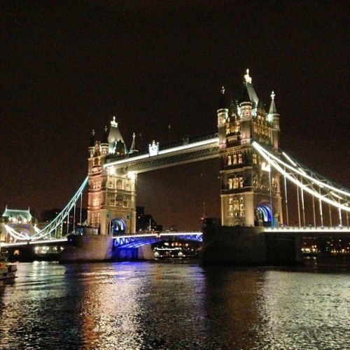 starbucksandpearls:  #amazing #londonlivin #towerbridge #nofilter