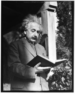 awesomepeoplereading:  Einstein reads.