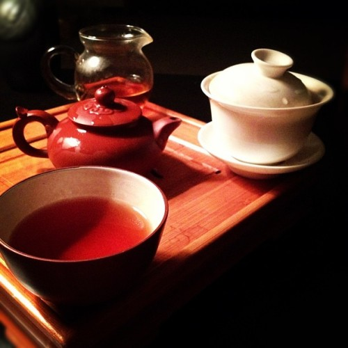 Puer #Teasesh for one tonight. #tea #YiXing #gaiwan #teaset
