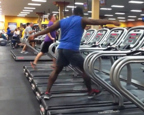 WATCH THIS GUY GET HIS TREADMILL DANCE ON!by Blaire Bercy http://bit.ly/192oomm