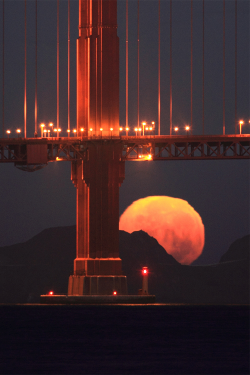 Golden Gate Moonset Closeup (by Rob Kroenert)