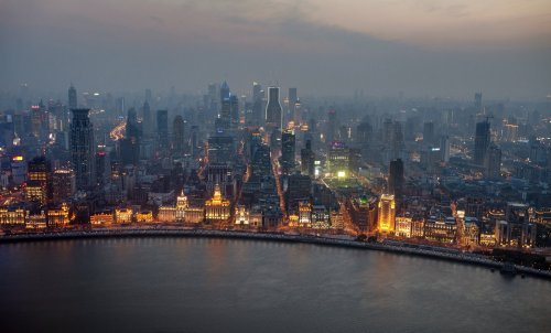 landscapelifescape:  The Bund, Shanghai, China The Bund by mave8080   *sigh*. I love Shanghai.