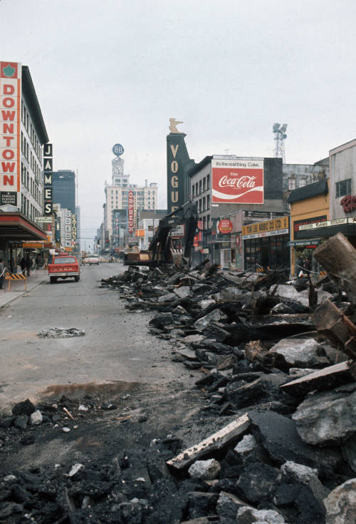 pasttensevancouver:  Granville Street, 1970s Source: Photo by Al Ingram, City of Vancouver Archives #800-481