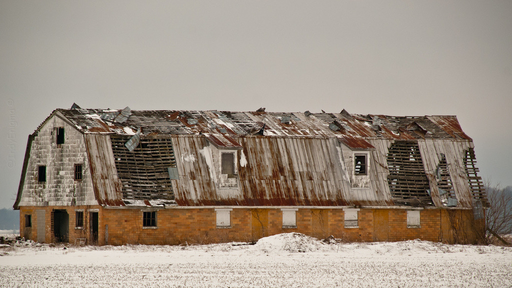 snow ❇ glazed brick barn ruins 2 (by IndyEnigma)