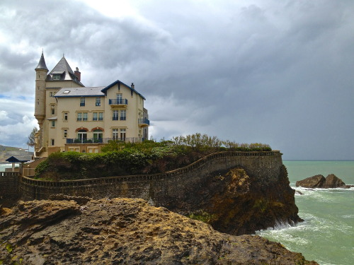 jesselstrom:  What it would be like to live here? -Biarritz, France