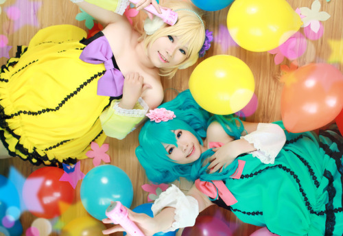 Hatsune Miku and Rin Kagamine by H-I-T-O-M-I