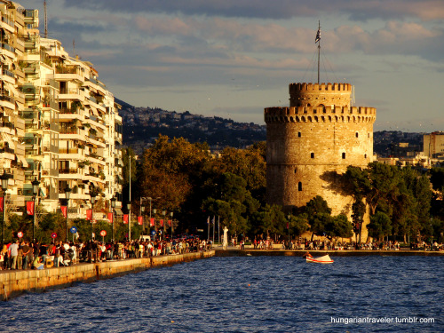allthingsgreece:  The White Tower of THESSALONIKI, taken in September 2010. (by hungariantraveler)