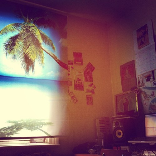 Bringing summer to the bedroom studio