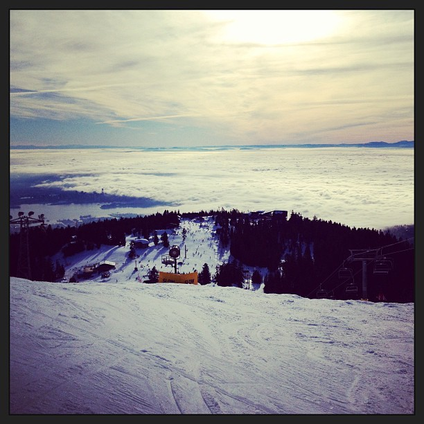 Above the ☁s #grouse #mountain #snowboarding #nature