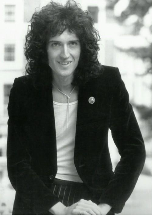 Happy 66th birthday Brian May!!!