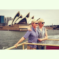 ellendegeneres:  Portia's finally getting to show me her beautiful country.