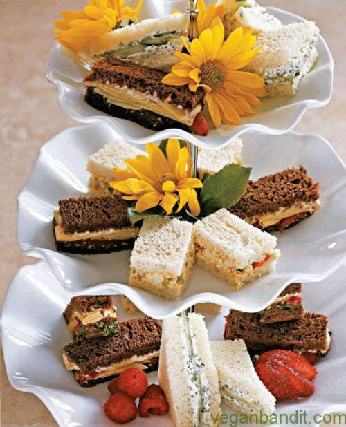 via http://goo.gl/filnm6 Vegan Cream Cheese and Cucumber Sandwiches