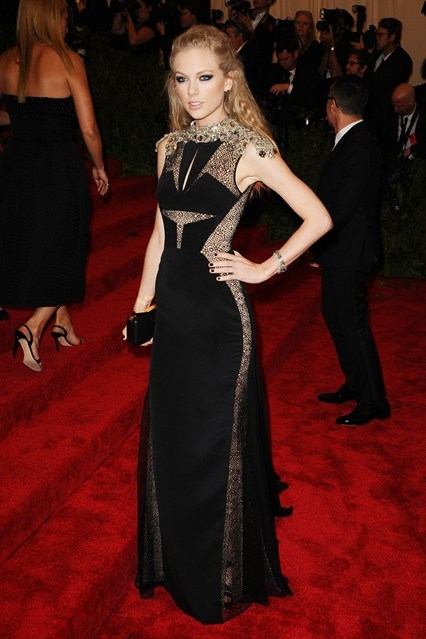 webuildfashion:  Taylor Swift wearing J. Mendel at the Met Ball 2013.