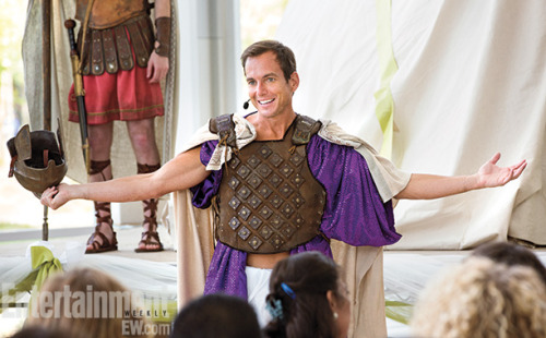 entertainmentweekly:  Not post new Arrested Development photos? We wouldn't do that! COME ON!