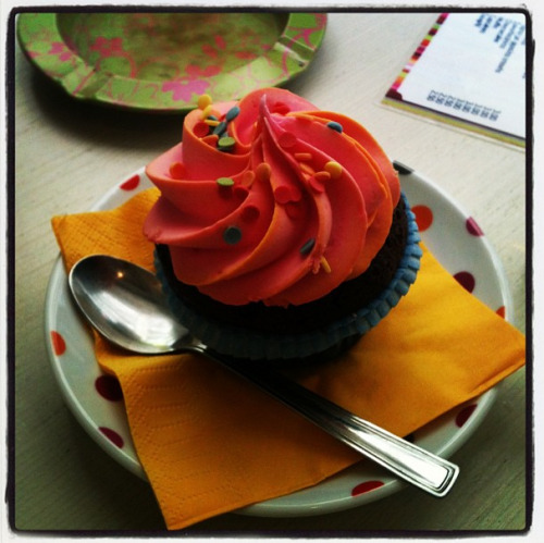 In other news, I ate the most beautiful cupcake, yesterday. Felt like a murder.