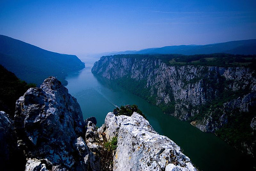 fuckyeahbalkans:  Iron Gates along the Danube, Serbia (by Miodrag Bogdanovic)