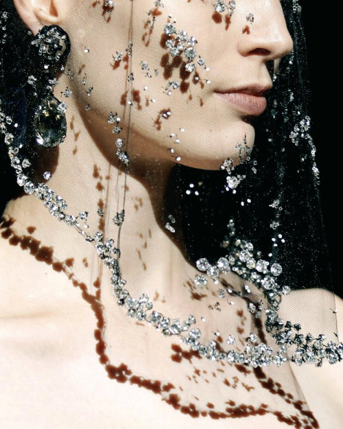 wink-smile-pout:  Amarni Prive Haute Couture Fall 2012
