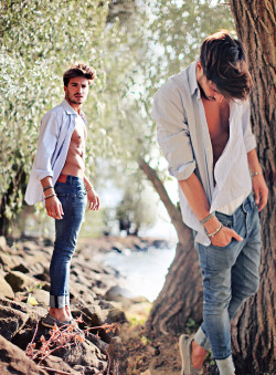 lookbookdotnu:  Summer breeze of love. (by Mariano Di Vaio)