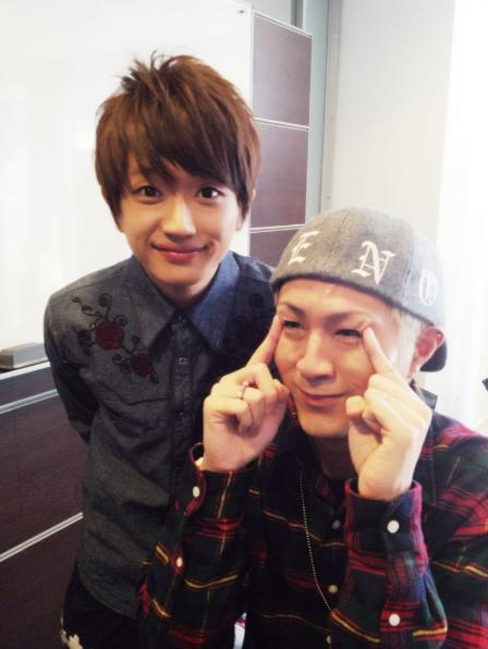 keep-in-smile:  Leader's too cuteeeee xD  (AAA staff blog 29.12.12)